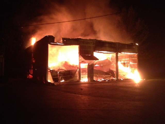 Richards Body Shop >> Fire Destroys Biggerstaff Body Shop Columbia Ky On
