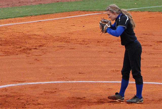 ACHS Softball, Natalie Bertram, winning pitcher (Photo 54014